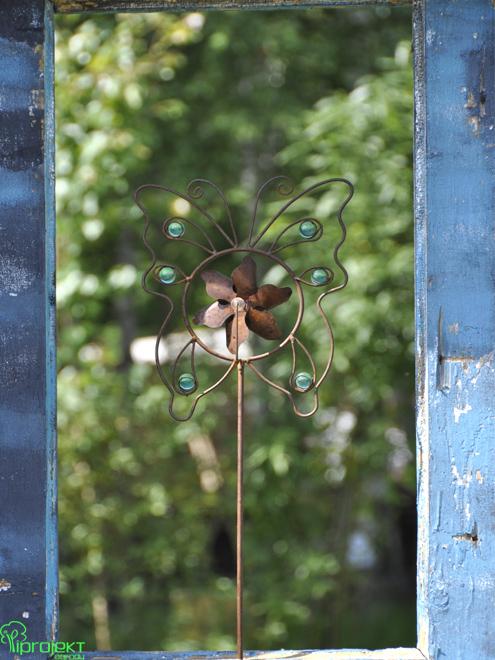 detal metaloplastyka motyl w otworze drzwi IPROJEKT